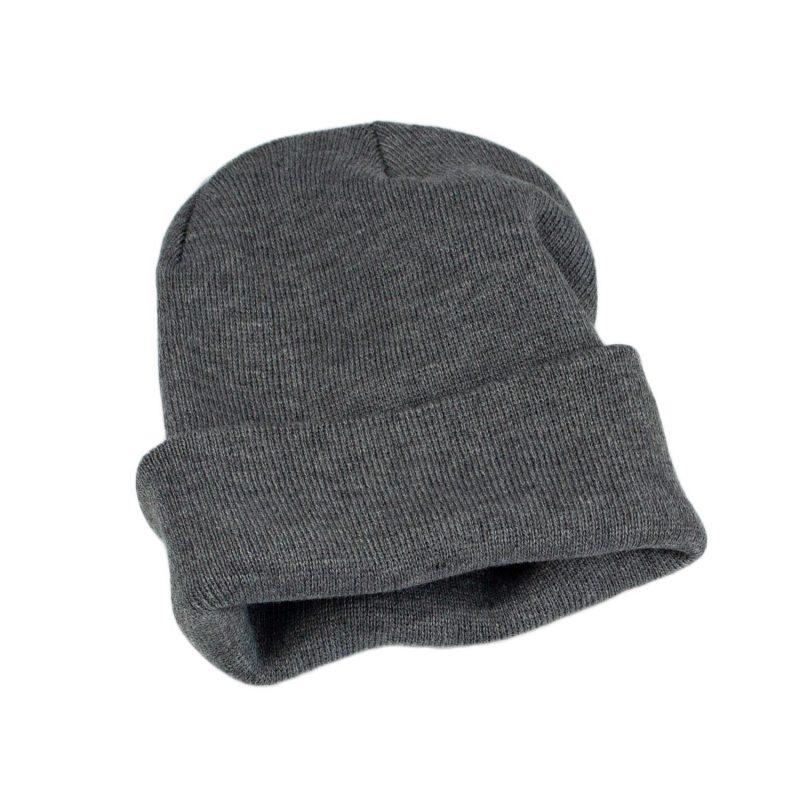 szara czapka meska